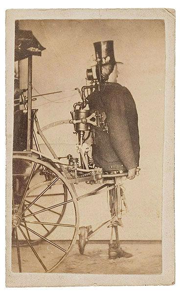 اگر این ربات که نیروی خود را از بخار میگیرد ساخته میشد شاید امور زندگی با سرعت و سهولت بیشتری انجام میپذیرفت. / طراحان این دستگاه «زادوک پی دِدِریک» و «ایساک گرساستیم» بودهاند که در سال 1868 میلادی نمونه اولیه از ایده خود را تولید کردند.