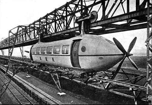 قطاری با پروانه / قطار موسوم به Bennie Railplane توان حرکت با سرعت 194 کیلومتر در ساعت را داشته و در خلال سالهای 1929 تا 1930 میلادی حدود 500 متر در گلاسکو مورد آزمایش قرار گرفت اما هیچ سرمایهگذاری هزینه ساخت آن را تقبل نکرد.