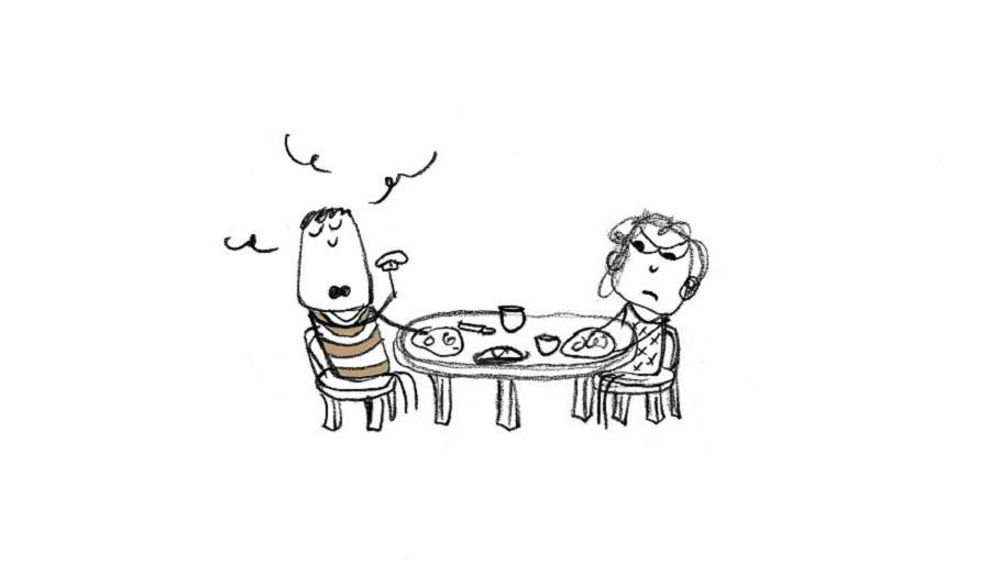 با صدای بلند غذا بخورید.