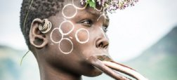 با قبایل اتیوپی آشنا شوید؛ زیبایی به لطف تیغ