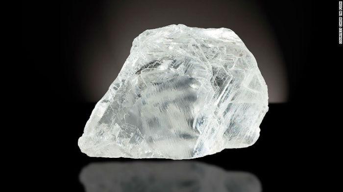 یکی از بزرگترین الماسهای نتراشیده دنیا باقیمت 35.3 میلیون دلار در سال 2010 فروخته شد
