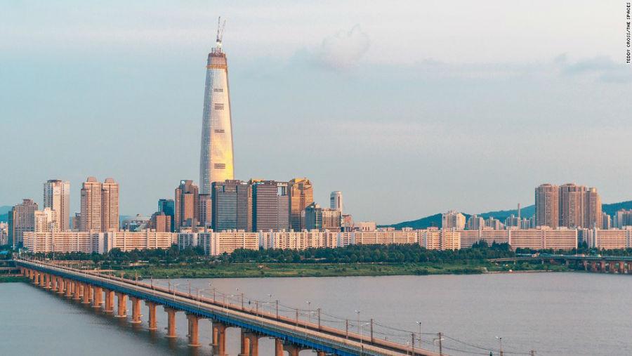 برج جهانی Lotte مکان: سئول – کره جنوبی ارتفاع: 556 متر آرشیتکت: Kohn Pederson Fox