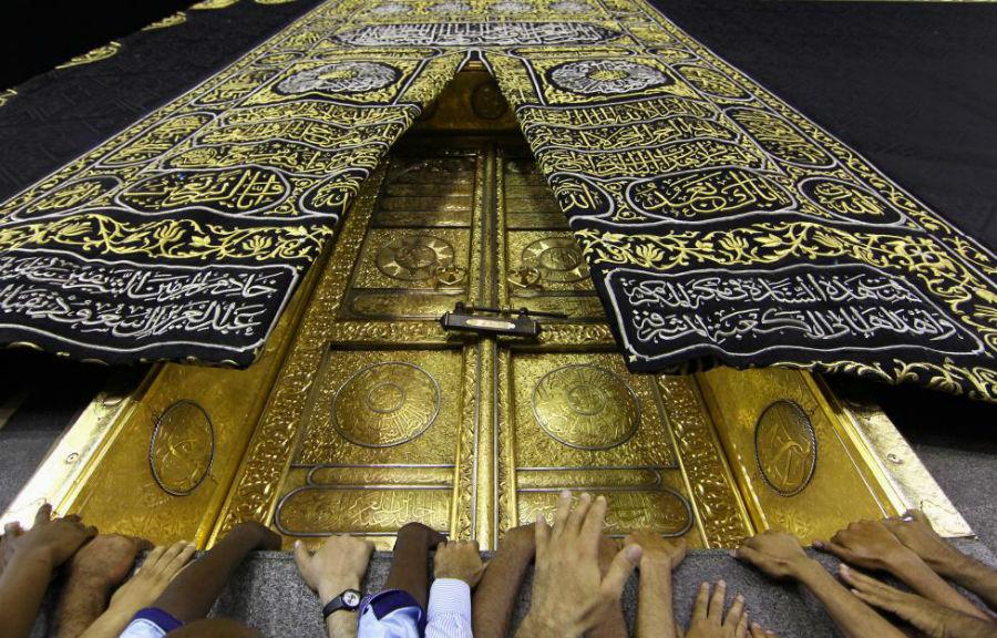 طواف کعبه در ماه رمضان عکاس: Faisal Nasser مکان: مکه، عربستان سعودی
