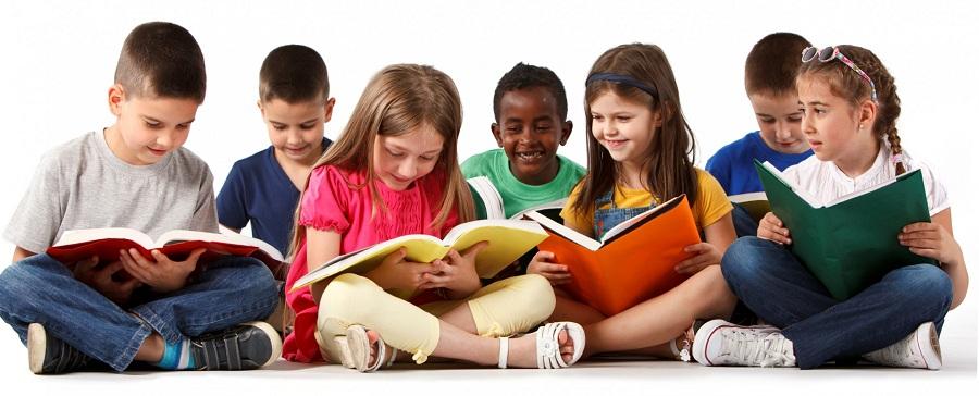 چگونه علاقه به کتابخوانی را در کودکان خود پرورش دهیم