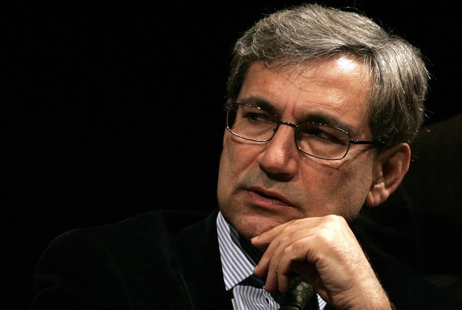 اورهان پاموک علیه کودتاچیان