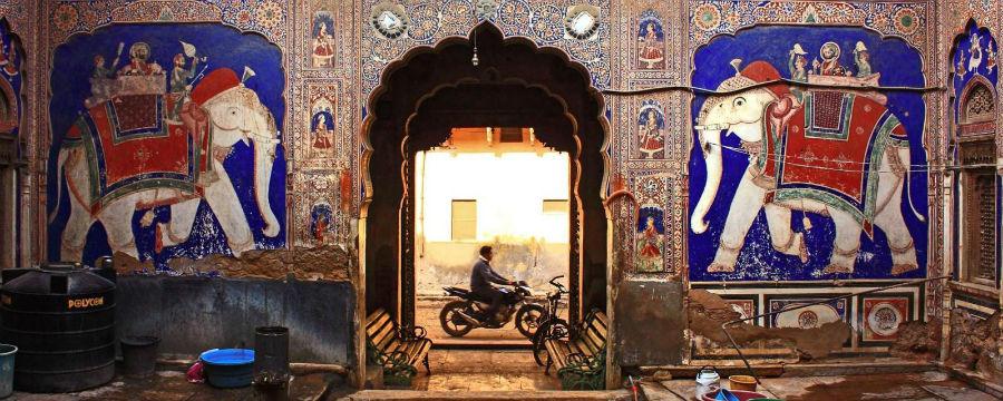 عمارتهای ممنوعه که زمانی خانه تاجران هندی بودهاند