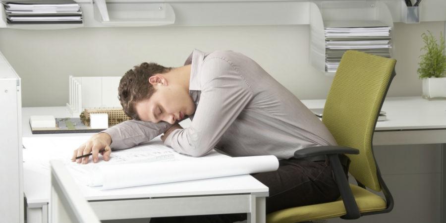 افزایش کارایی مغز: در زنان با خوابیدن، در مردان با چرت زدن