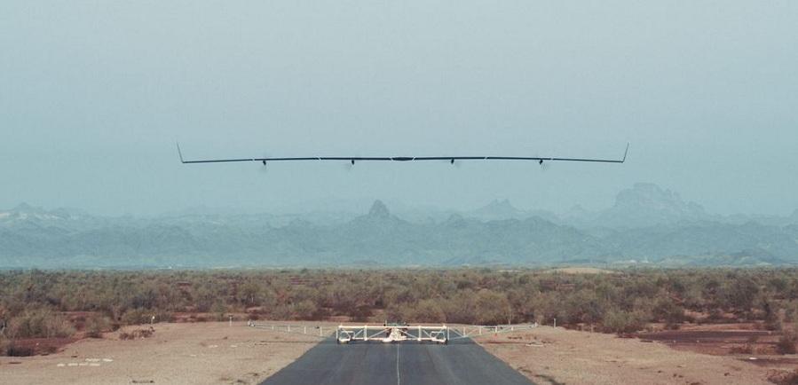 پرواز موفقیتآمیز هواپیمای مبتنی بر انرژی خورشیدی فیسبوک