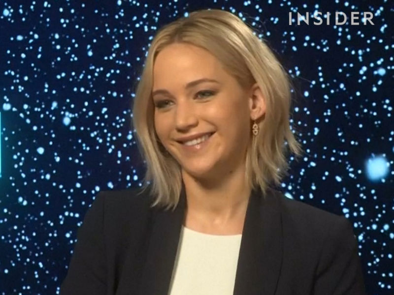 jennifer-lawrence-has-an-awesome-attitude-about-trying-something-hard-and-new-w900-h600