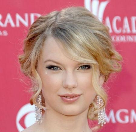 راز زیبایی تیلور سوئیفت خواننده آمریکایی