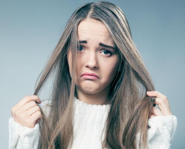 چگونه جلوی چرب شدن موهایمان را بگیریم؟