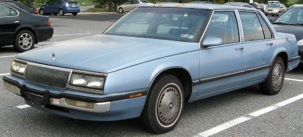 1990-1991_Buick_LeSabre_--_09-22-2010.0-w600