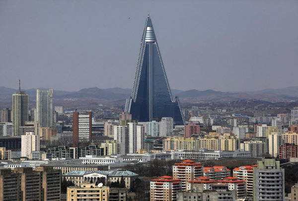 Ryugyong-Hotel-in-North-Korea-w600
