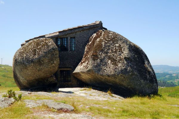 Stone-House-of-Portugal-w600