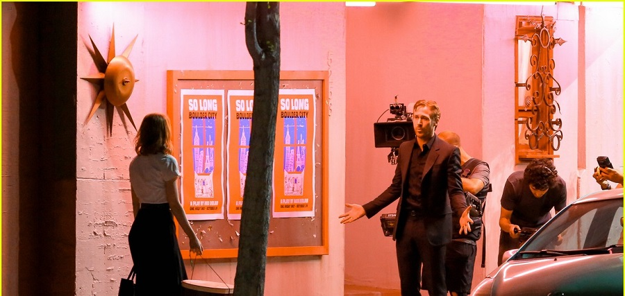 Los Angeles, CA - Emma Stone and Ryan Gosling shoot an emotional scene for 'La La Land' in Los Angeles. The actors can be seen having a serious talk before Emma walks to her car appearing upset with Ryan's character. AKM-GSI August 28, 2015 To License These Photos, Please Contact : Steve Ginsburg (310) 505-8447 (323) 423-9397 steve@akmgsi.com sales@akmgsi.com or Maria Buda (917) 242-1505 mbuda@akmgsi.com ginsburgspalyinc@gmail.com