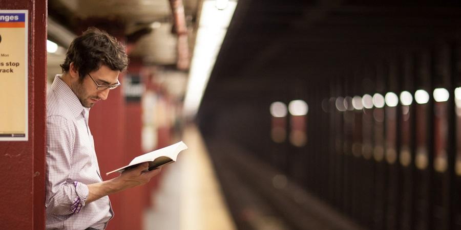 کتاب بخوان تا زنده بمانی
