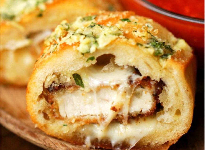 خوشمزه روز: نان سیر با مغز مرغ و پارمسان [تماشا کنید]