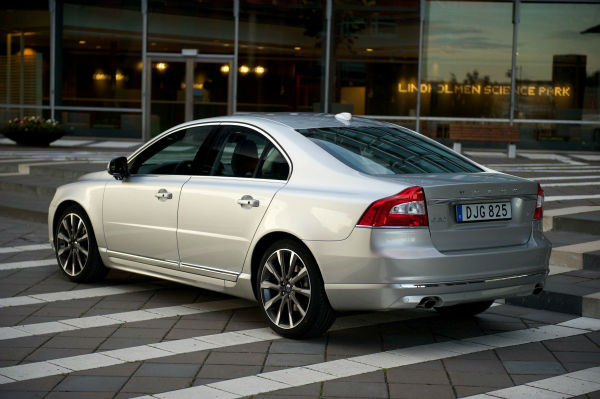 the-gen-2-s80-would-be-volvos-flagship-sedan-for-the-next-decade-before--w600