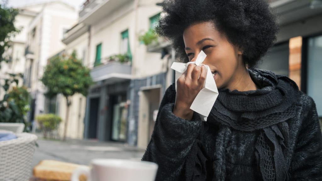 فصل سرماخوردگی نزدیک است؛ واکسن آنفولانزا بزنیم یا نزینم؟