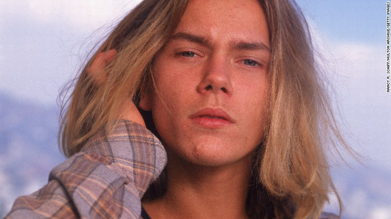 160602172126-river-phoenix-restricted-exlarge-169