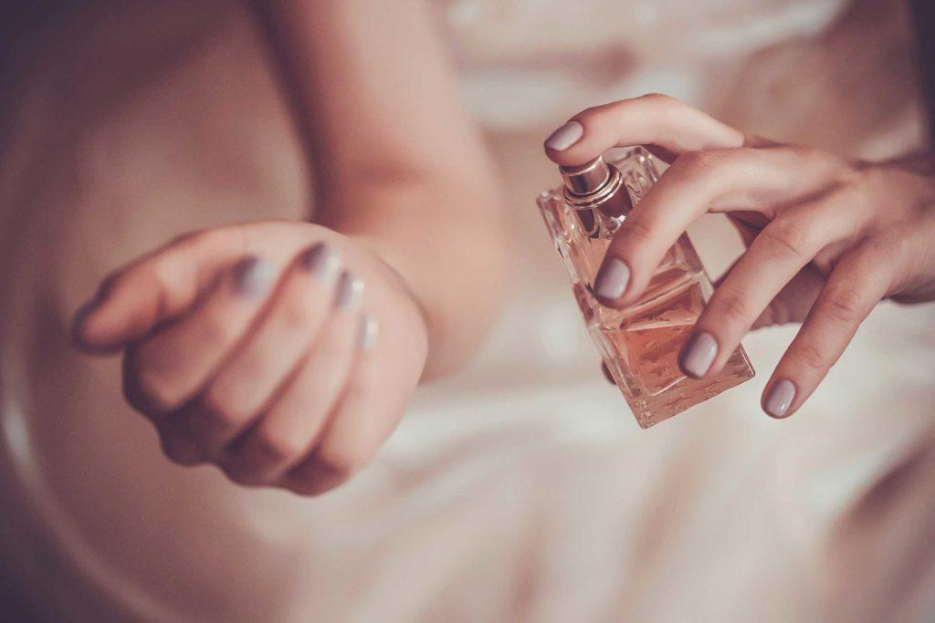 ۸ راهکار برای ماندگاری بیشتر عطر