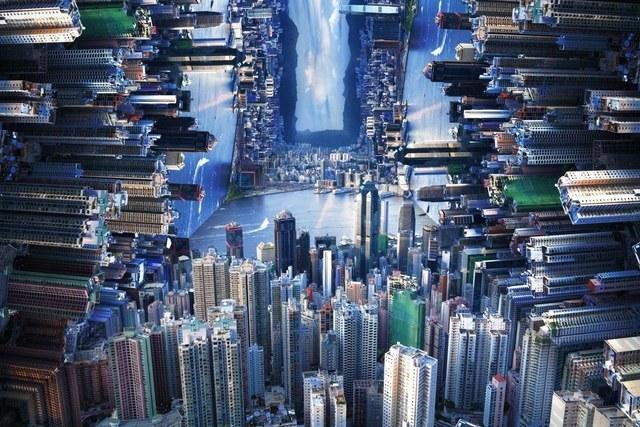 زوایای گوناگون کلان شهری که بر هم عمود شده اند