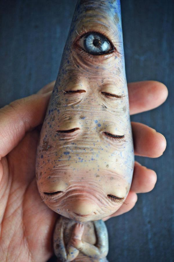 عروسک های هنرمند اسپانیایی عجیب و ترسناک به نظر می رسند