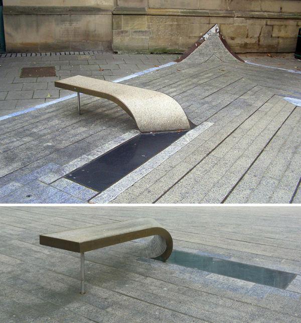 صندلی فرش آبی در شهر نیوکاسل انگلستان