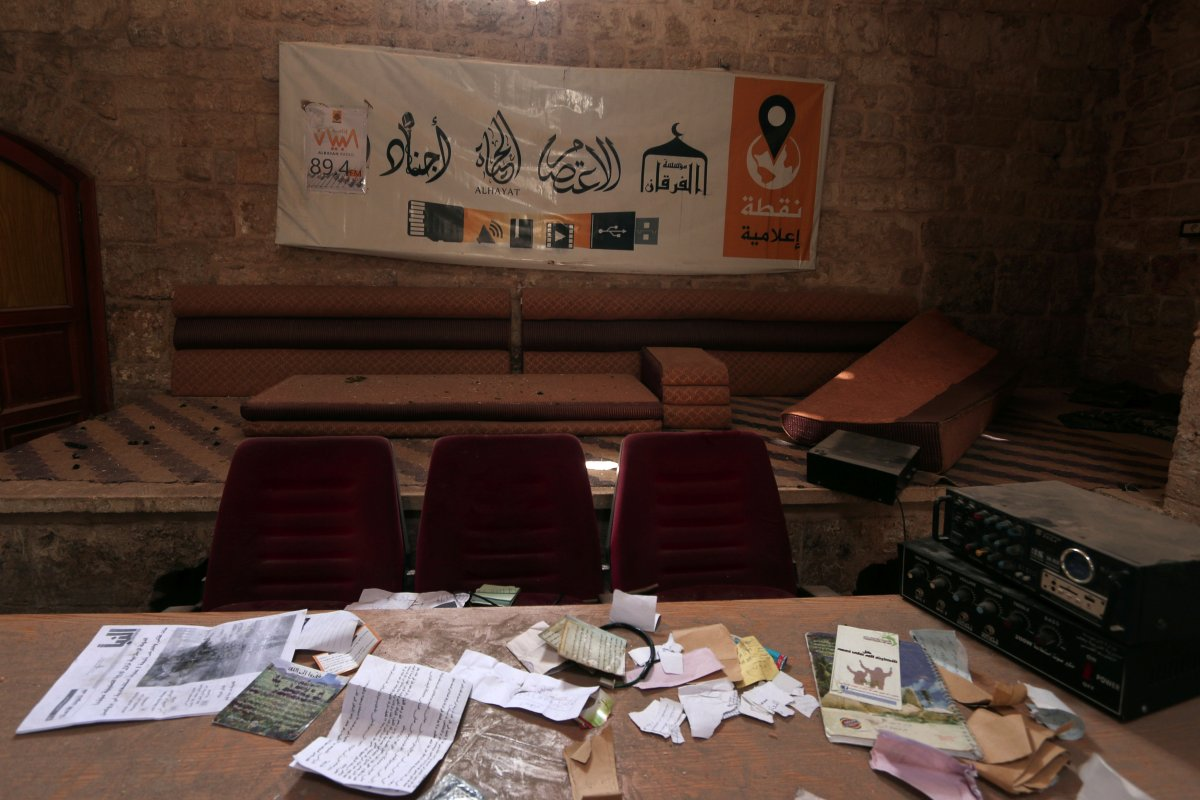 heres-what-else-remained-at-the-isis-media-center-inside-the-hammam-in-manbij
