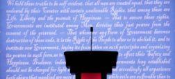 ترامپ خُرناس انتخاباتی را به گردن میکروفن انداخت