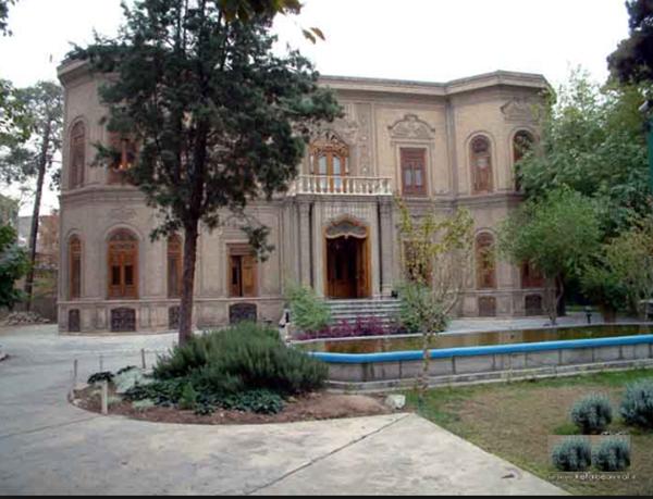 گشتی در سفال های ایران در خانه قوام السلطنه
