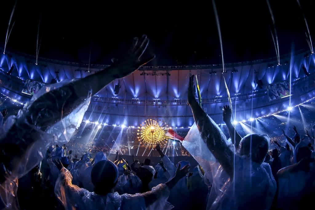 ss-160908-paralympics-opening-ceremony-cr_12_ddd731765b7afd3b4c45ca3937ec4466-nbcnews-ux-1024-900