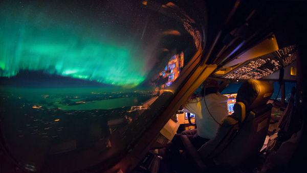 storm-sky-photography-airline-pilot-christiaan-van-heijst-12-57eb6807500d2__880-w600-copy