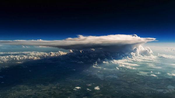 storm-sky-photography-airline-pilot-christiaan-van-heijst-4-57eb67f4137a5__880-w600-copy