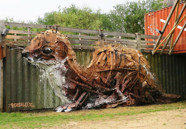 trash-animal-sculpture-artur-bordalo-13-57ea1bc1b6b57__880-w600