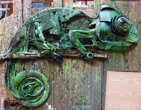 trash-animal-sculpture-artur-bordalo-15-57ea1bc755e61__880-w600