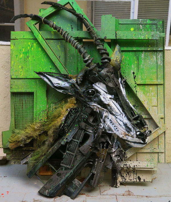 trash-animal-sculpture-artur-bordalo-30-57ea1bef2b640__880-w600