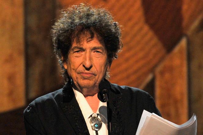 بنیاد نوبل: نتوانسته ایم با باب دیلن برای اهدای جایزه اش تماس بگیریم
