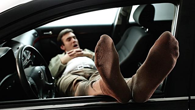 ۷ راهکار موثر برای بالا بردن سطح هوشیاری در هنگام رانندگی