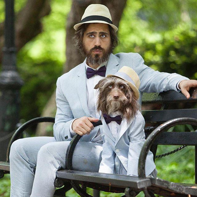 ست لباس عجیب مرد با سگش