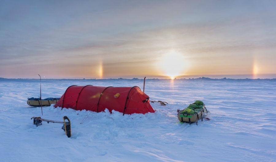 دمای زیر 30 تا 40 درجه در این مسیر بسیار عادی بود و بادهای سرد و طوفان های خوفناک نیز سرمای محیط را دو چندان می کرد.