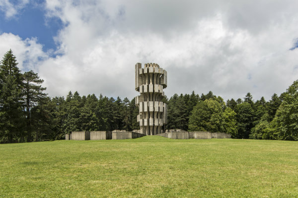 bosnie_-_kozara_-_monument-w600