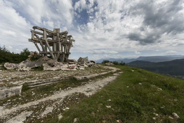 bosnie_-_makljen_-_monument_2-w600