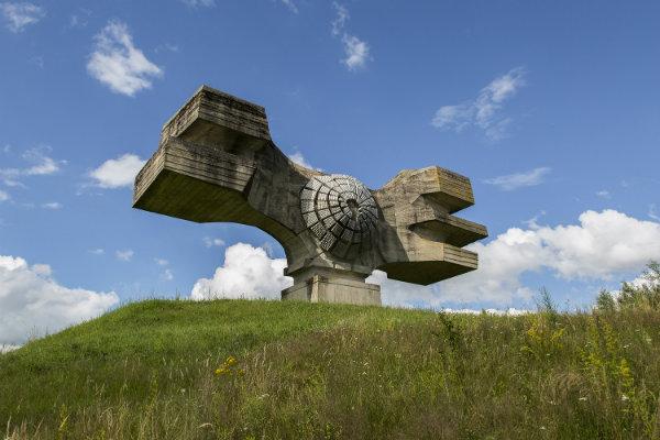 croatie_-_podgaric_-_monument_2-w600