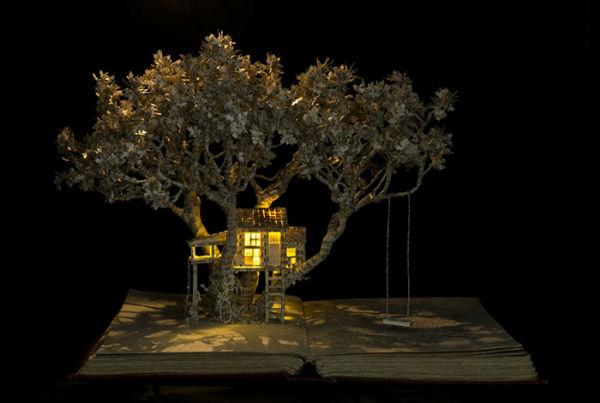 illuminated-book-sculpture-su-blackwell-10-57ee498976b59__700-w600