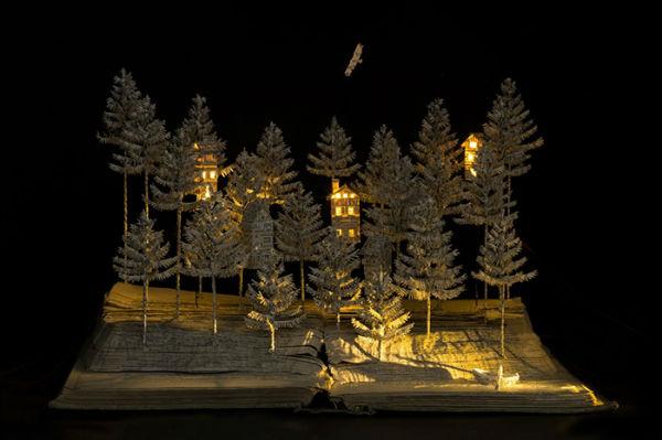 illuminated-book-sculpture-su-blackwell-13-57ee498e18d5a__700-w600