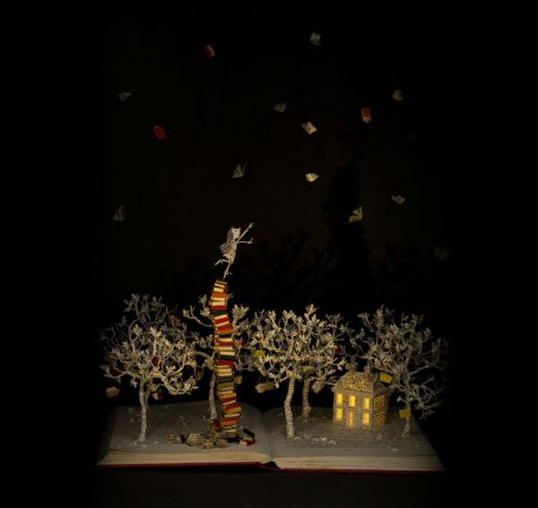 illuminated-book-sculpture-su-blackwell-14-57ee498f87873__700-w600