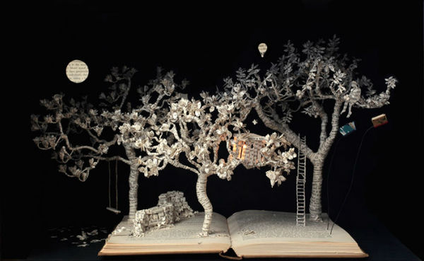 illuminated-book-sculpture-su-blackwell-24-57ee49a551a9a__700-w600