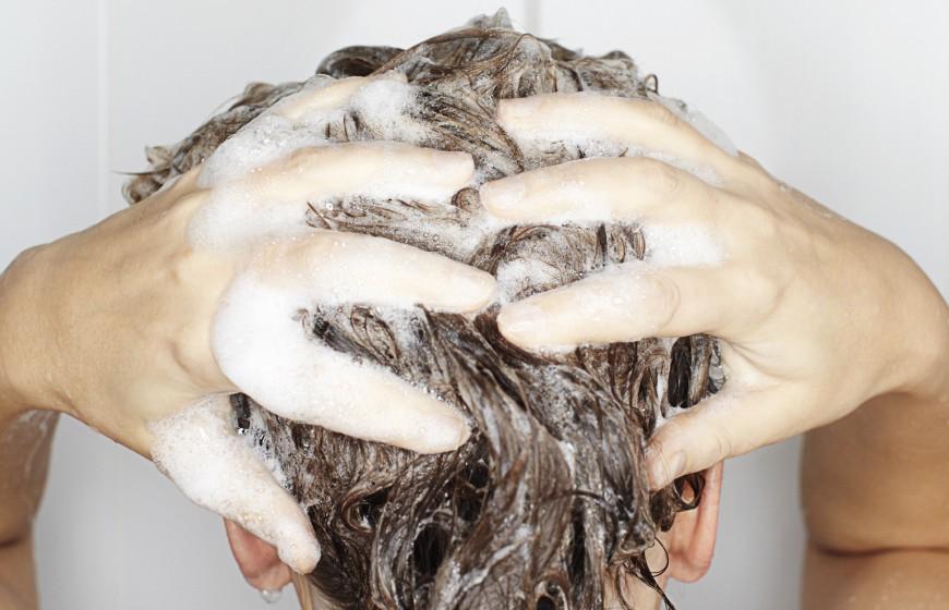 آقایان چه زمانی باید موهای خود را بشویند؟ [تماشا کنید-زیرنویس فارسی]
