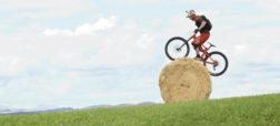 زیبا و حیرت آور؛ انجام حرکات ورزشی شگفت انگیز با استفاده از دوچرخه [تماشا کنید]